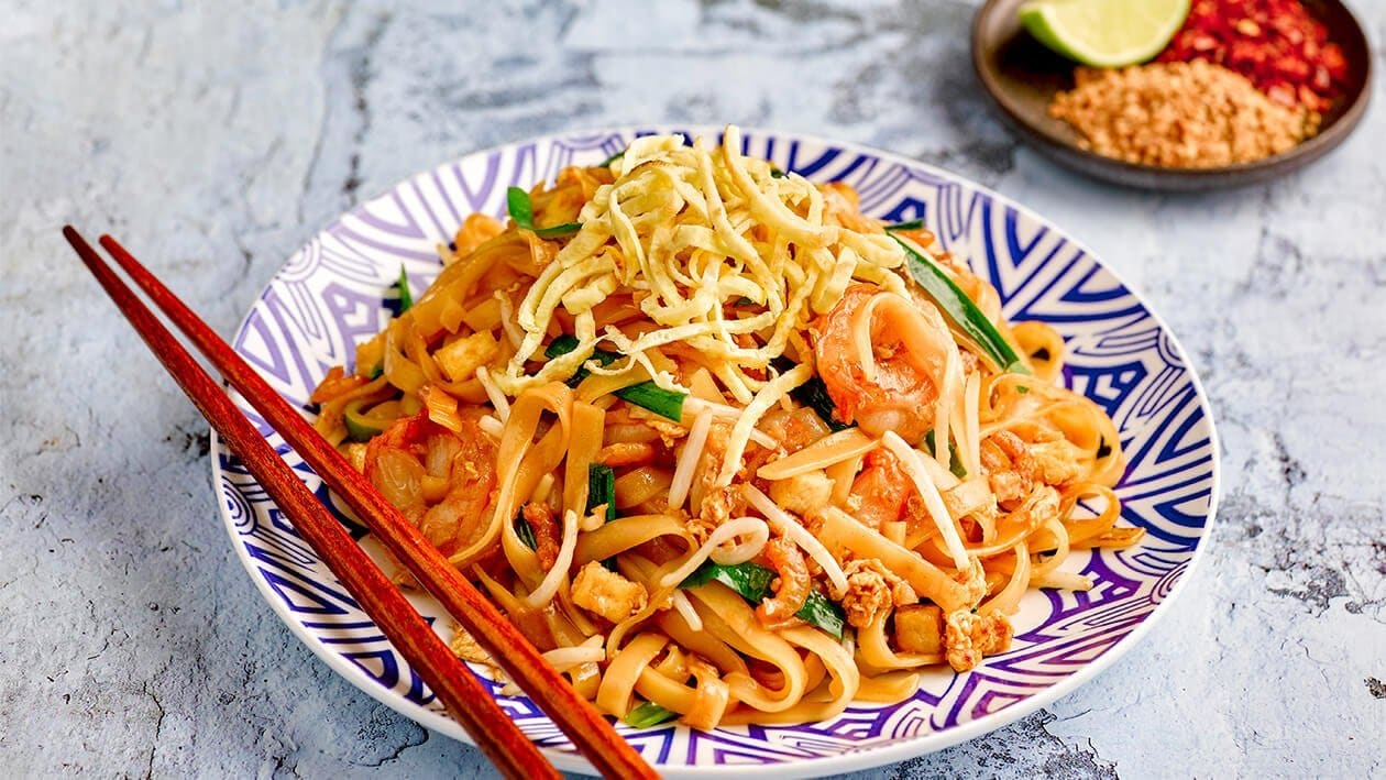 Stir Fried Pad Thai Noodles Recipe Unilever Food Solutions