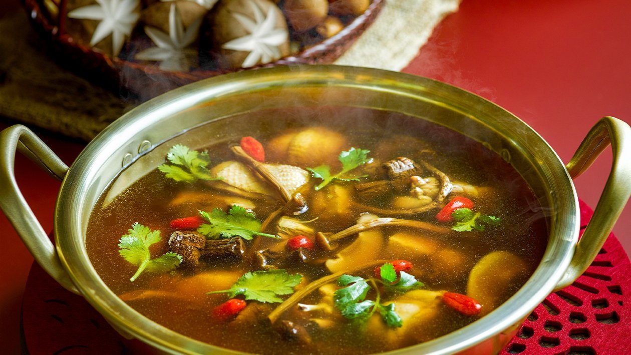Double Boiled Mushroom and Chicken Hot Pot Soup