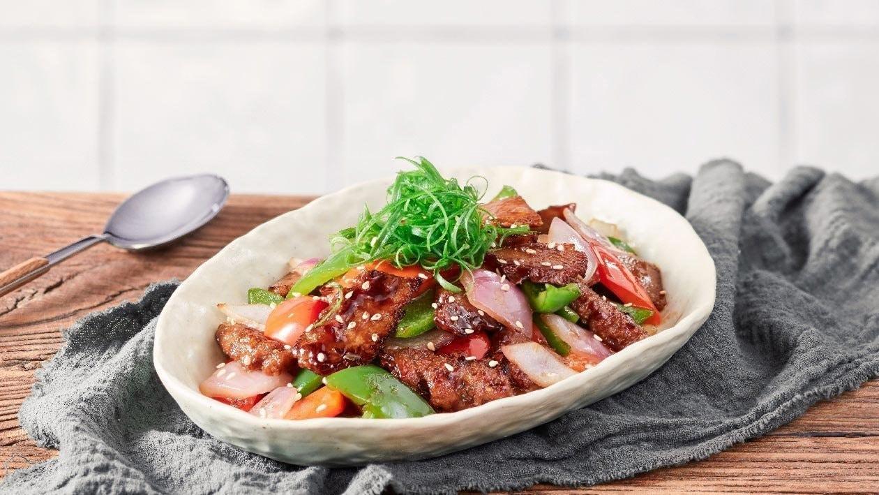 Teriyaki Stir-Fried NoBeef with Peppers